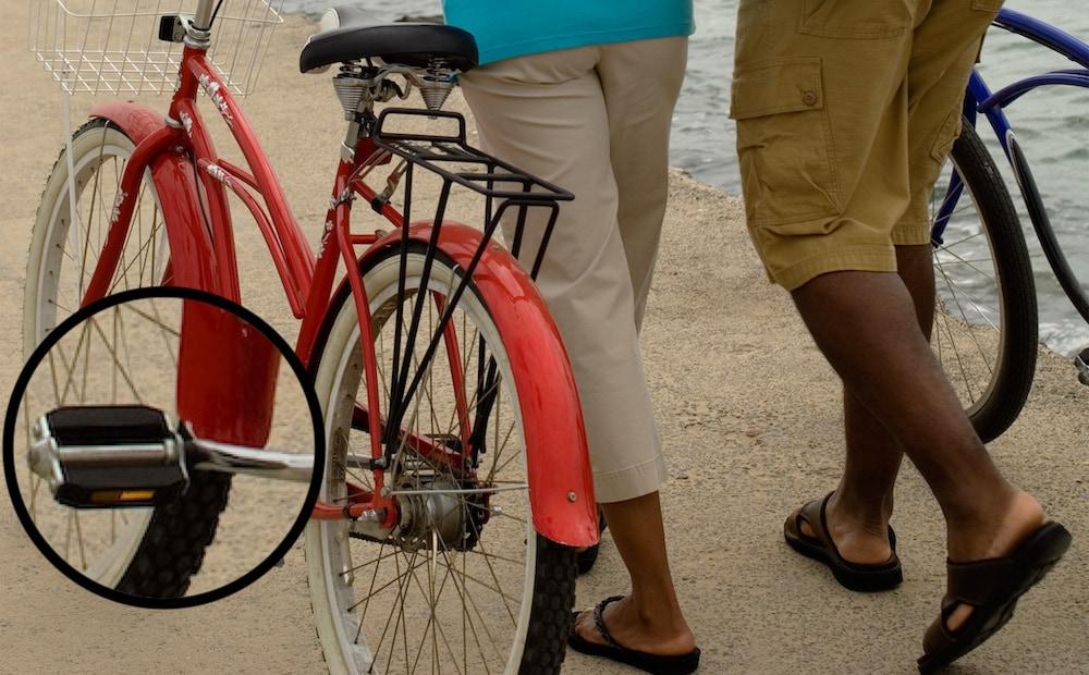 blockpedale auf altem fahrrad