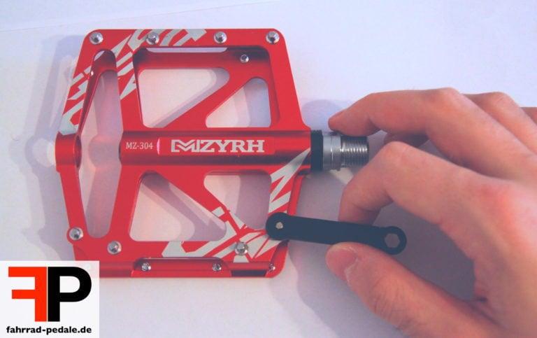Pins bei Pin-Pedalen wechseln mit Werkzeug