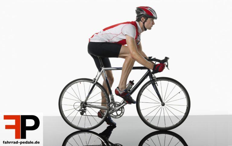 klickpedale sicher radfahrer auf rennrad